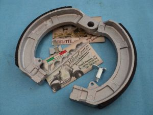 COPPIA GANASCE ANTERIORI VESPA SPRINT 150 GS 160 180 SS MADE IN ITALY